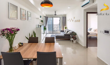 Apartment 3 bedrooms at the corner for rent on high floor facing to center of D1 and Ben Nghe canal